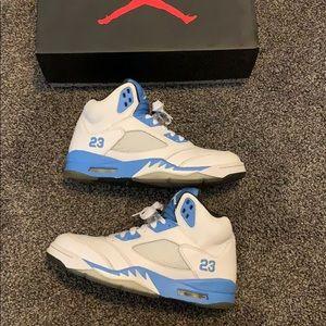 wholesale dealer 8a05c 4cf38 Men's Jordans Shoes Blue on Poshmark